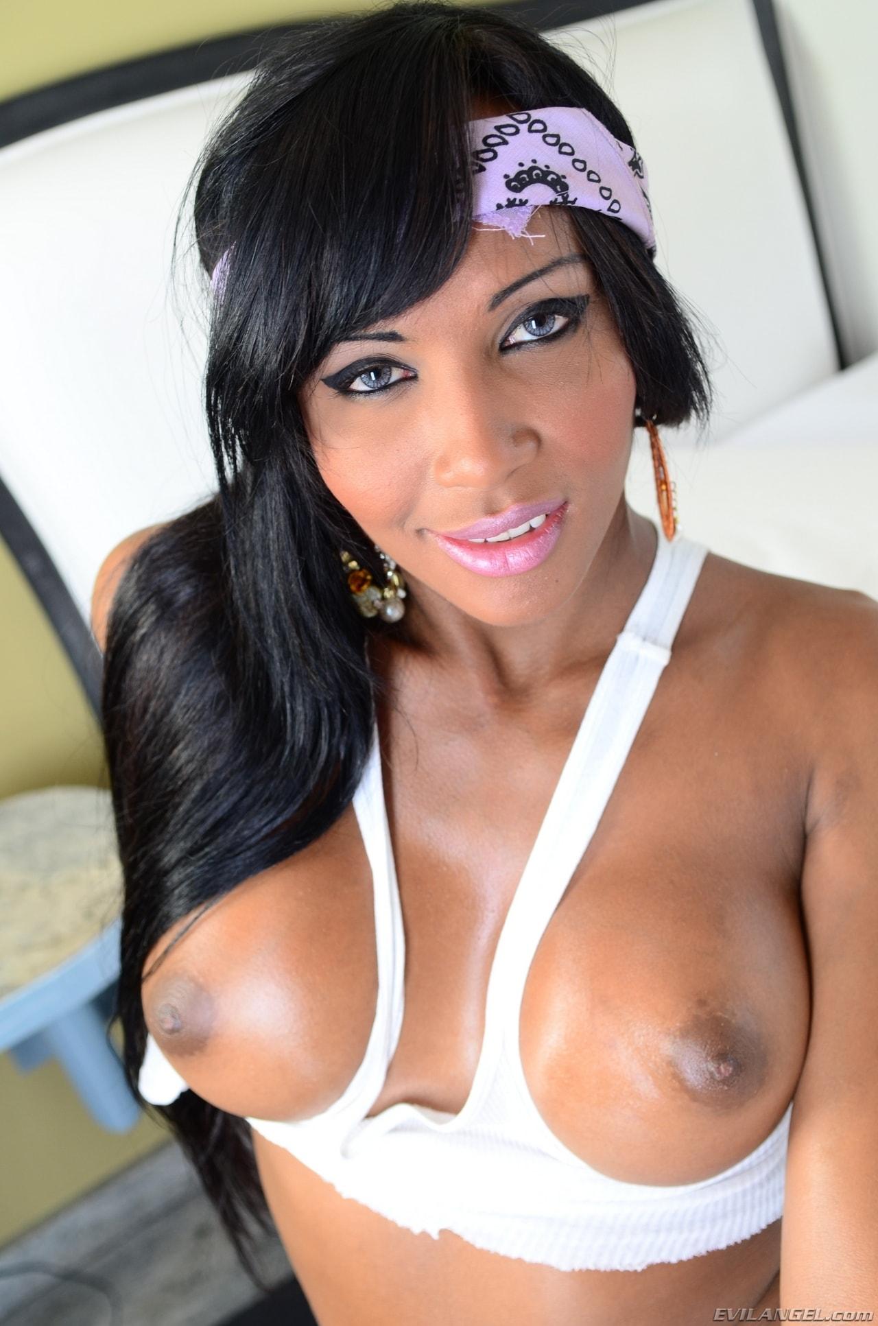 I Love Black Shemales 'Big Tit She-Male X' starring Alex Victor (Photo 171)