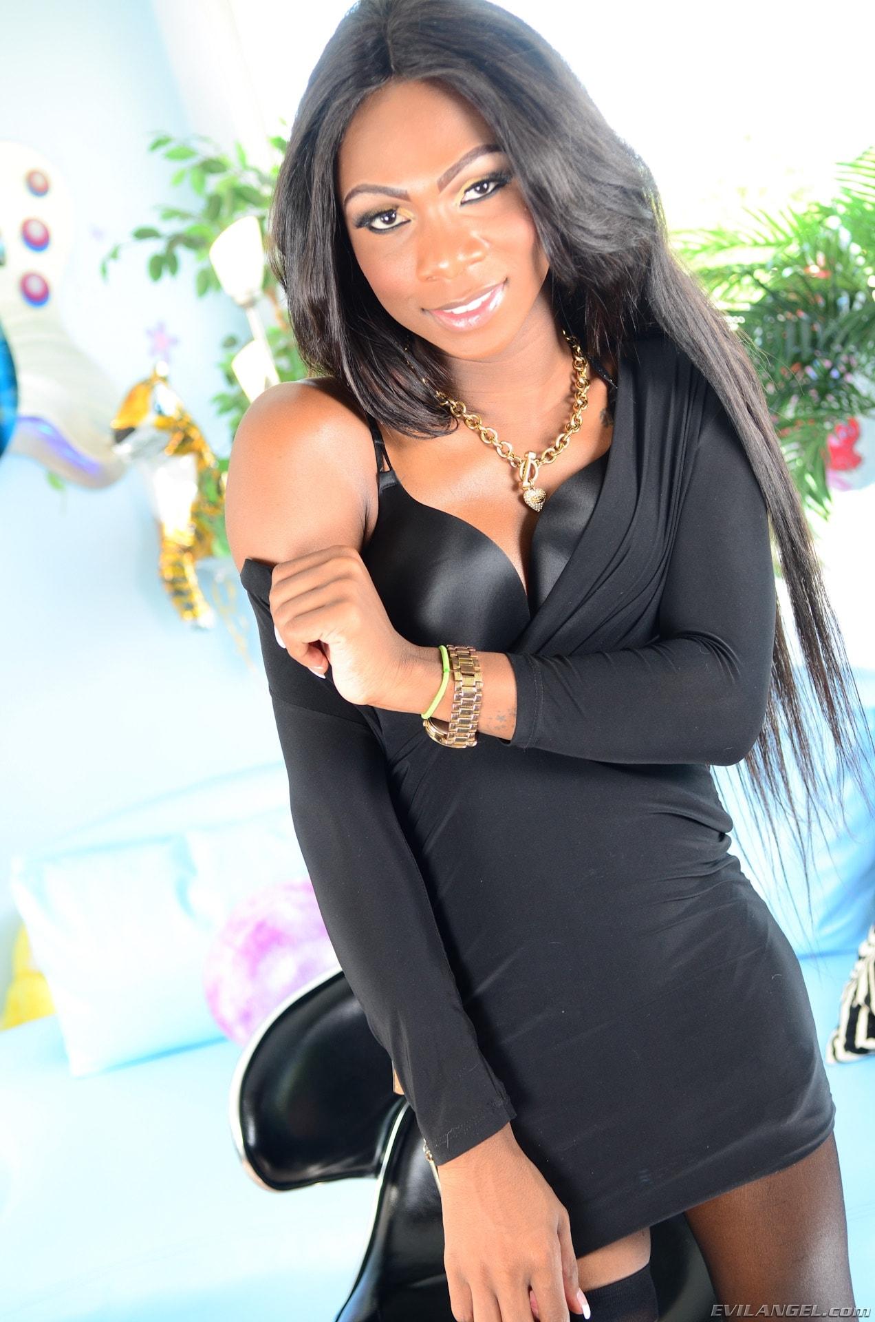 I Love Black Shemales 'She-Male XTC 12' starring Kourtney Dash (Photo 1)