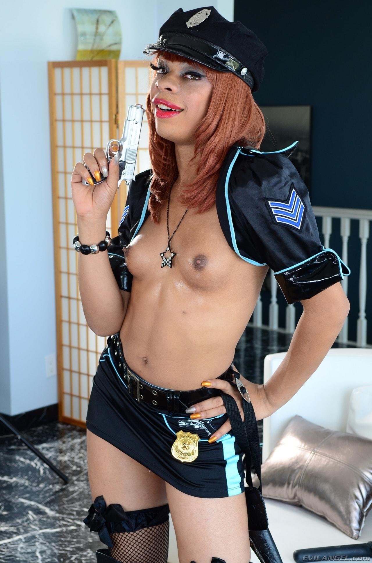 I Love Black Shemales 'She-Male Police 02' starring Sasha Strokes (Photo 20)