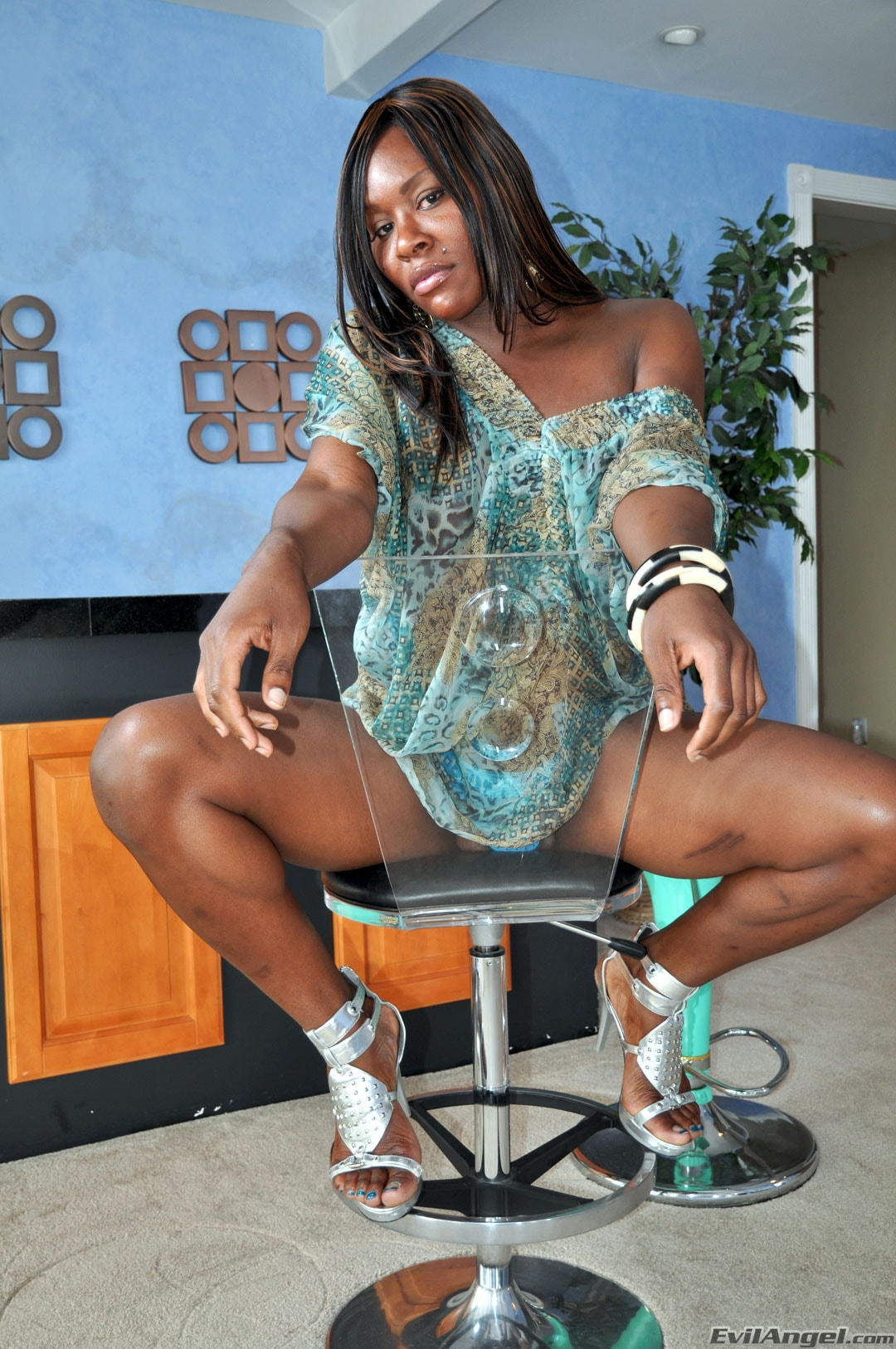 I Love Black Shemales 'Black Shemale Idol - The Auditions' starring Sex Kitten (Photo 2)