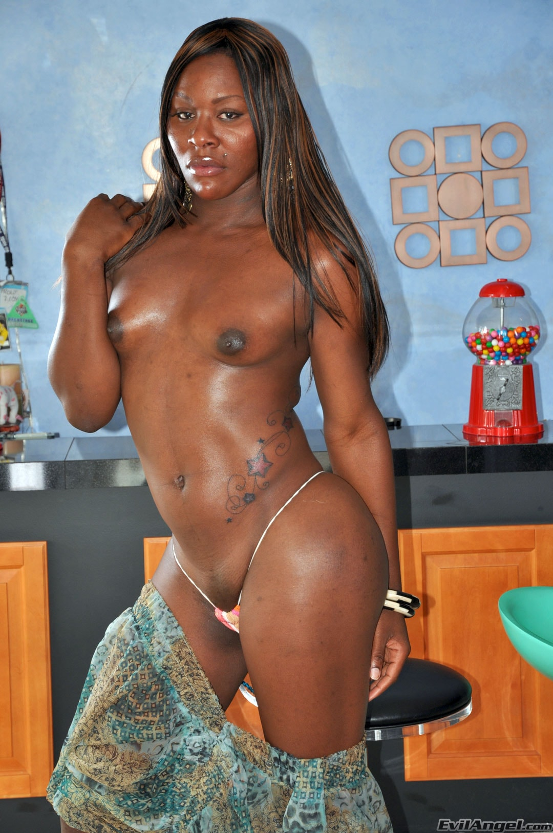 I Love Black Shemales 'Black Shemale Idol - The Auditions' starring Sex Kitten (Photo 10)