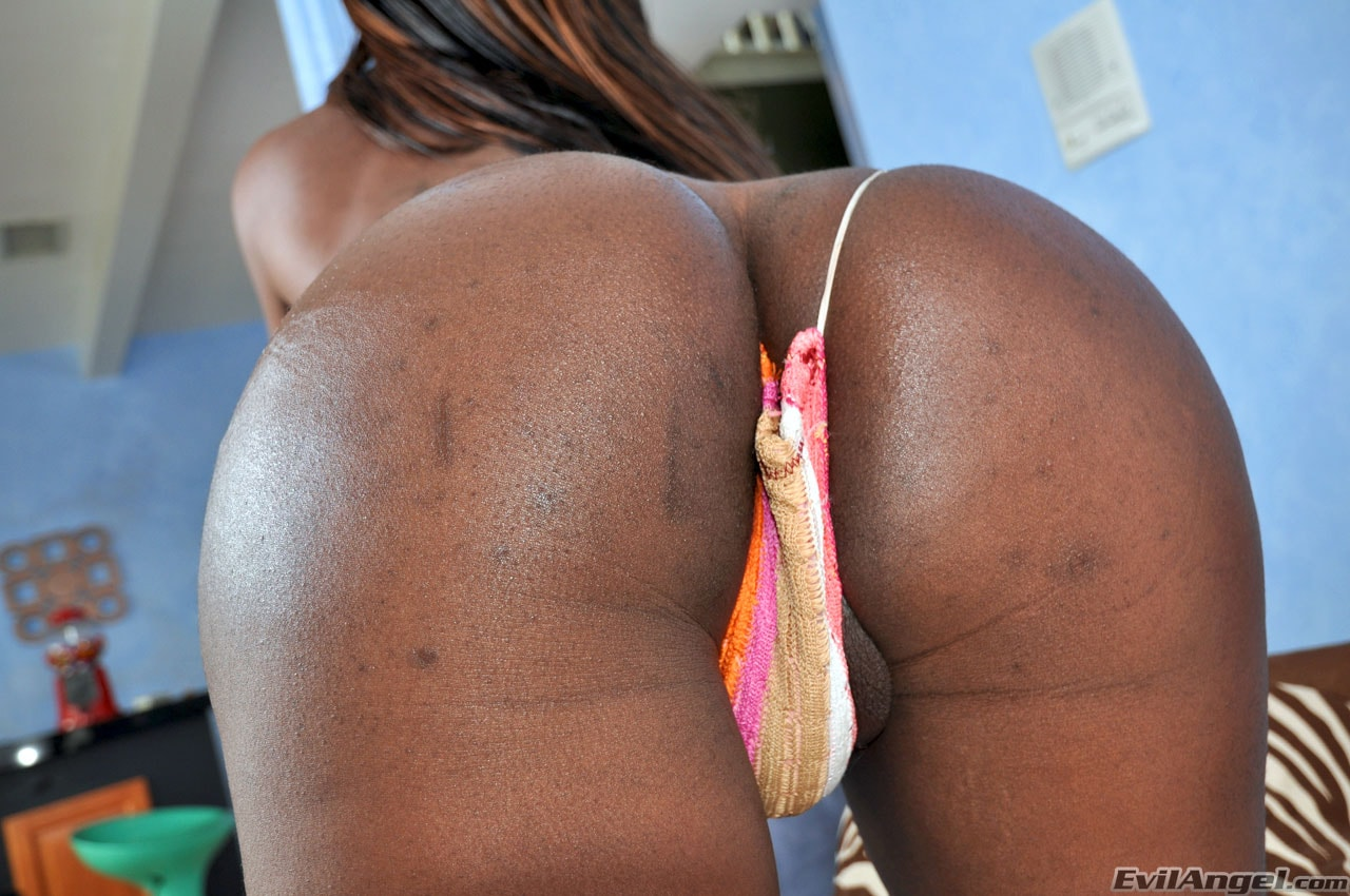 I Love Black Shemales 'Black Shemale Idol - The Auditions' starring Sex Kitten (Photo 18)